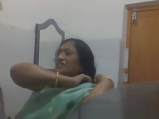 Indian Bengali Milf Aunty..
