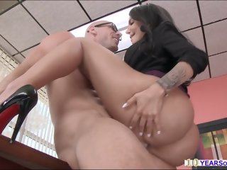 Big booty Leyla gets busted..