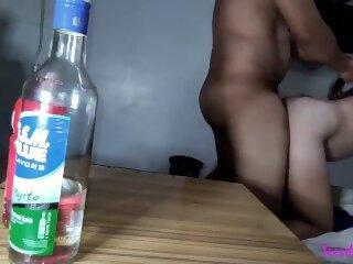 Beber con mi mejor amiga..