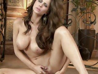 Hot naked Emily Addison..
