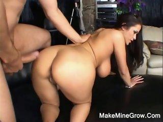 Big Tits Babe Do A Tit..
