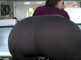 Sexy Big Ass White Girl In..